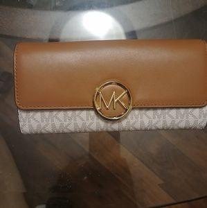 Michael Kors wallet brand new